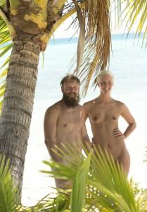 adam sucht eva nackt oben ohne